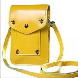 Handbags - Gorgeous yellow handbag